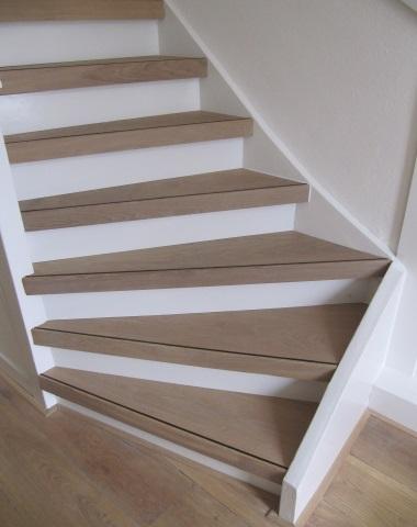 Traprenovatiepakket witte olie zonder stootbord actielaminaat bv - Renovatie houten trap ...